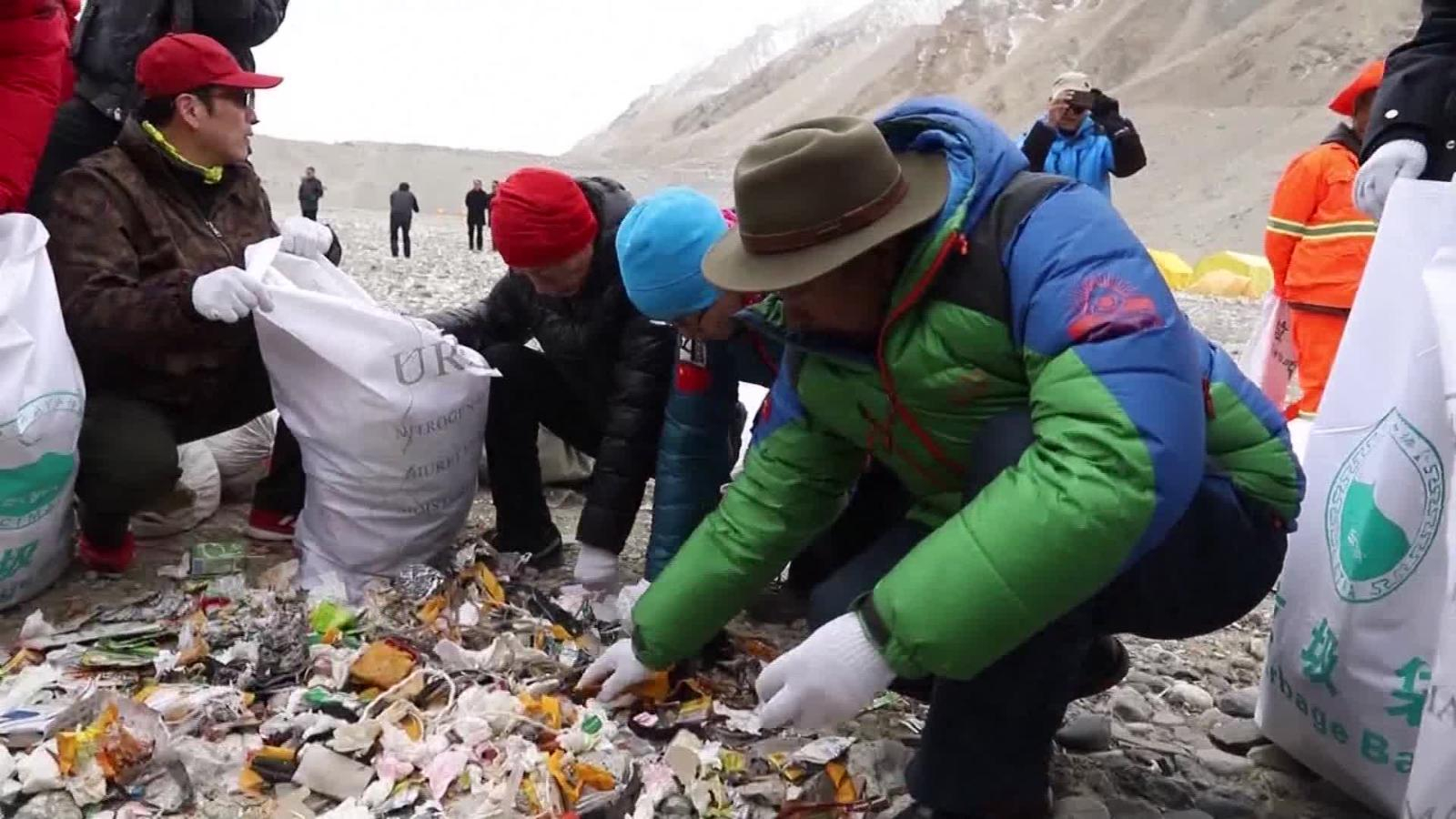 Trash on Mount Everest