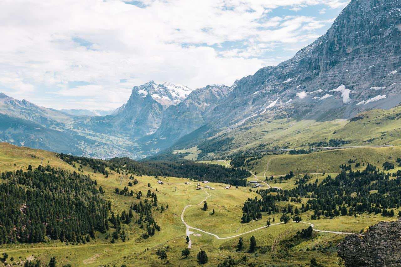 Partidas de póker entre las montañas de los Alpes