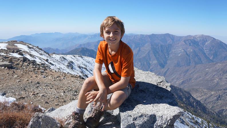 Niño de 9 años escala el Aconcagua