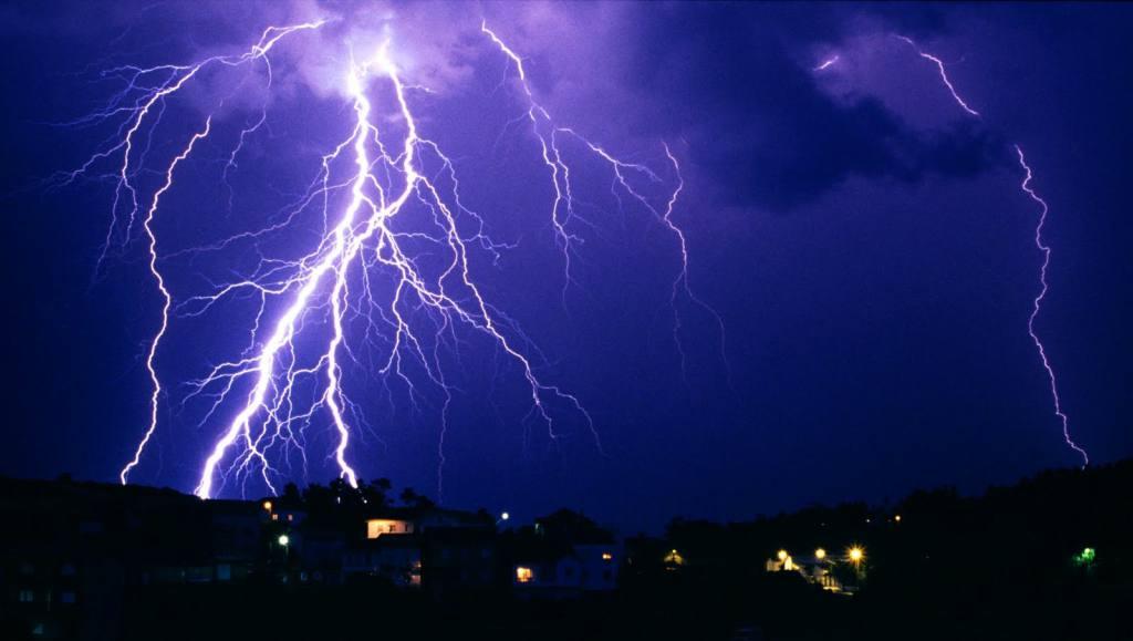 Se avecinan tormentas con relámpagos